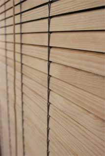 Persianas alicantinas de cadenilla en plastico y madera - Persiana enrollable madera ...
